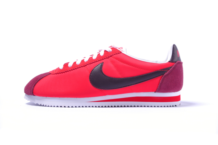 男款红色阿甘鞋搭配